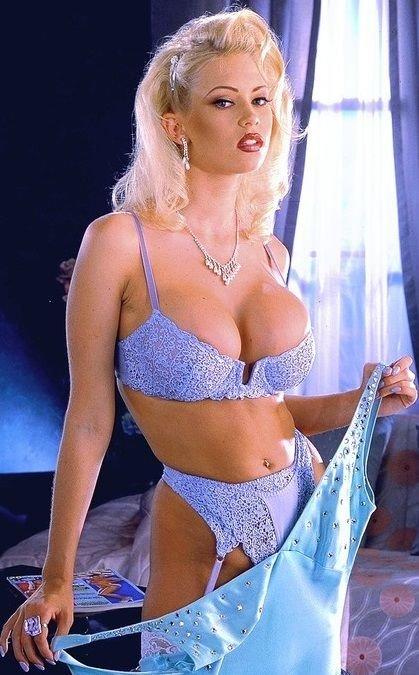 faa5da47b73a3850307ae3cfd15633b3--blue-lingerie-sexy-lingerie.jpg